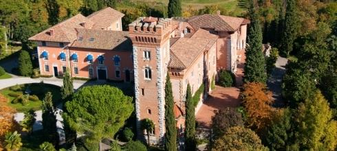 Romantic Castles & Villas of Italy